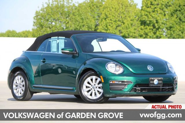 Pre Owned 2017 Volkswagen Beetle 1 8t S 2d Convertible